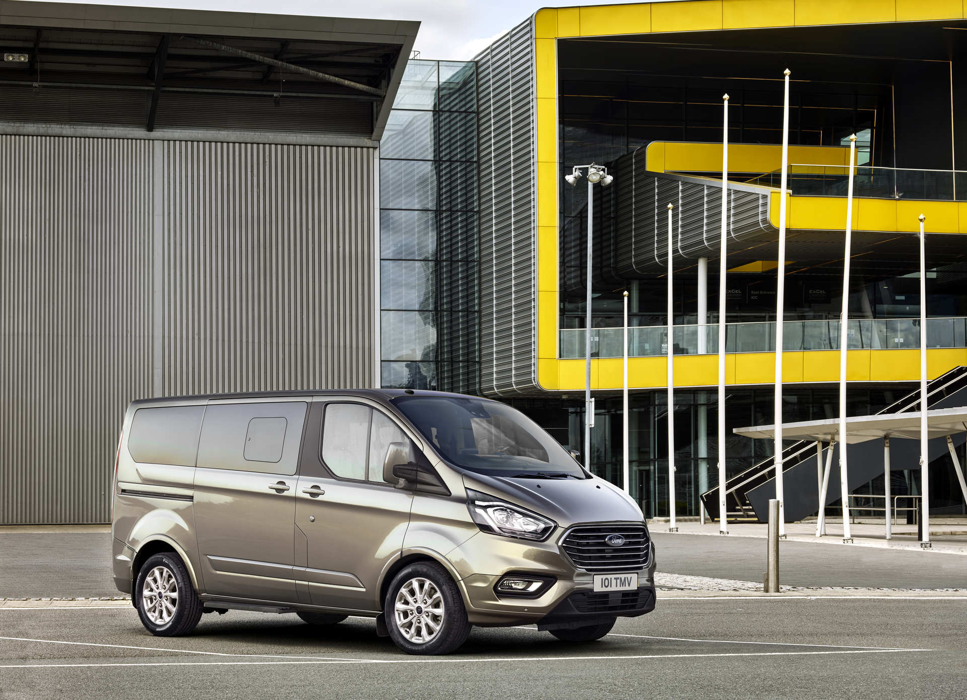 ford-tourneo-custom