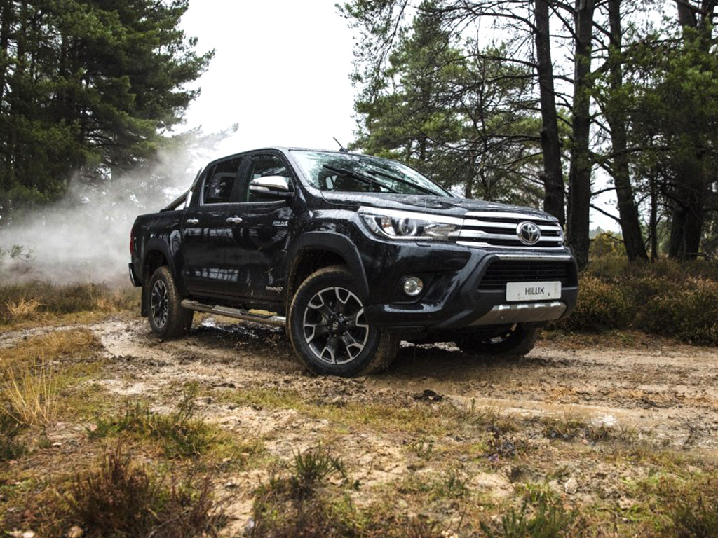 toyota-hilux-invincible-50